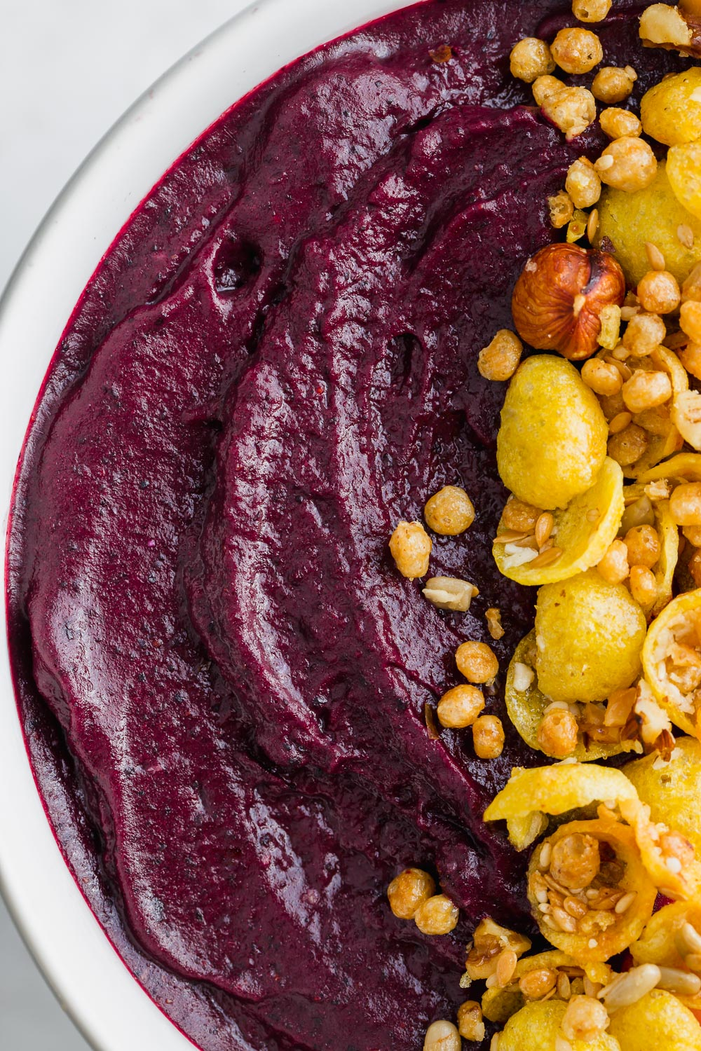 acai smoothie bowl up close