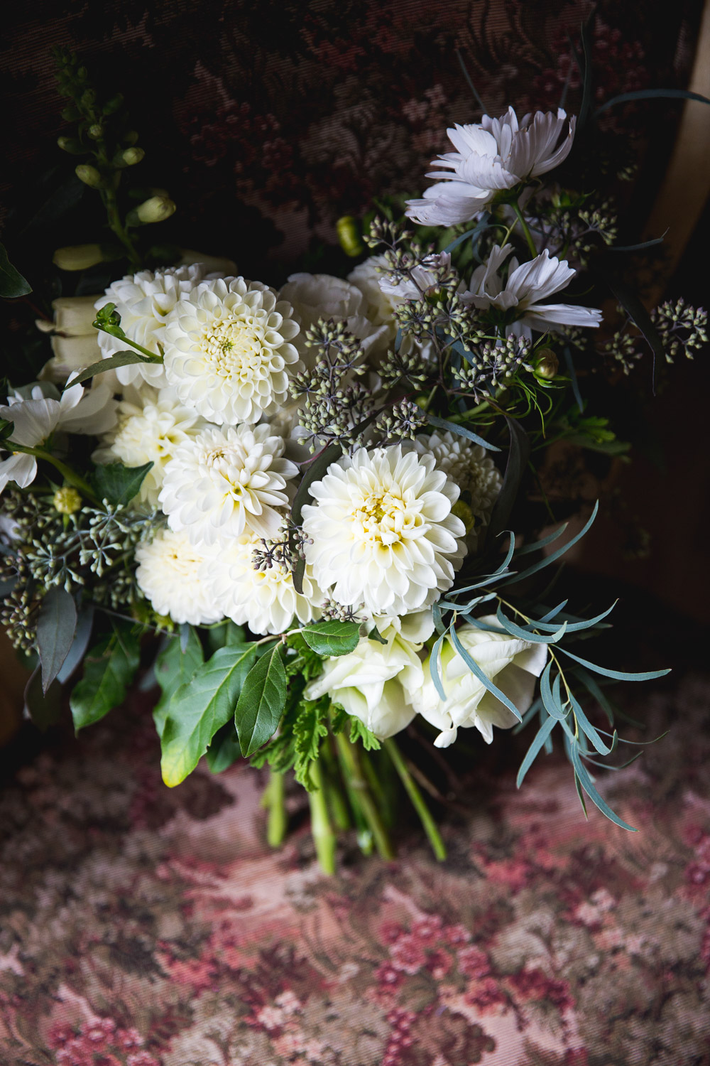 fall dahlia wedding bouquet