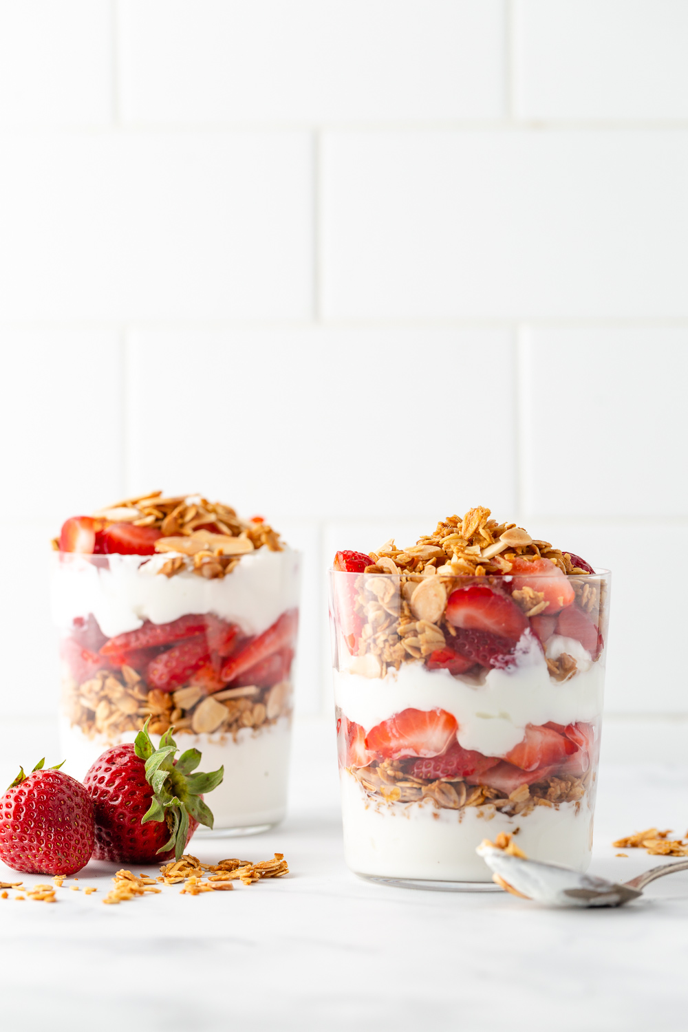 strawberry yogurt parfaits
