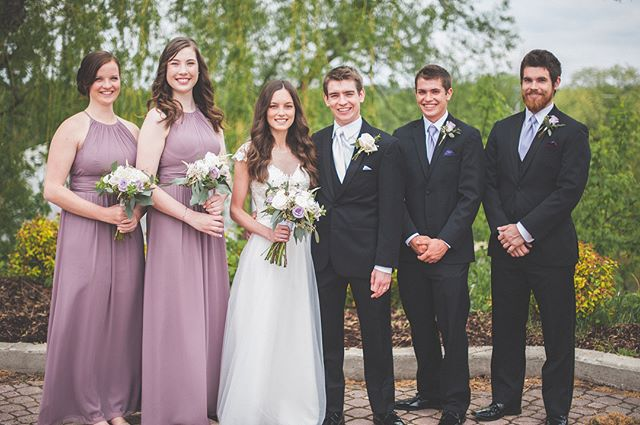 I like these people 📷: @chung.photog #weddingparty