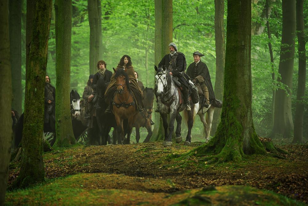 starz-outlander-8-cast.jpg