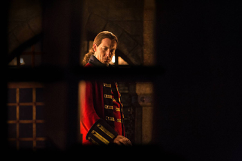 "Tobias Menzies in Outlander, ""Wentworth Prison"" 