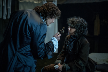 Jamie and Fergus in Outlander | © Starz