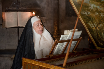 Mother Hildegarde in Outlander | © Starz