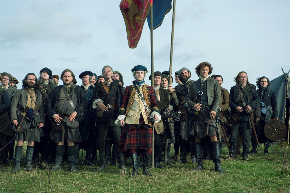 Andrew-Gower-as-Prince-Charles-Stuart-Duncan-Lacroix-as-Murtagh-Fitzgibbons-Sam-Heughan-as-Jamie-Fraser-Episode-210.jpg