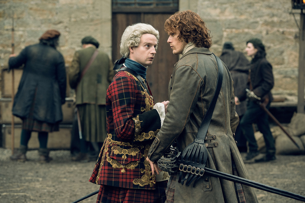 Charles Stuart and Jamie Fraser in Outlander | © Starz
