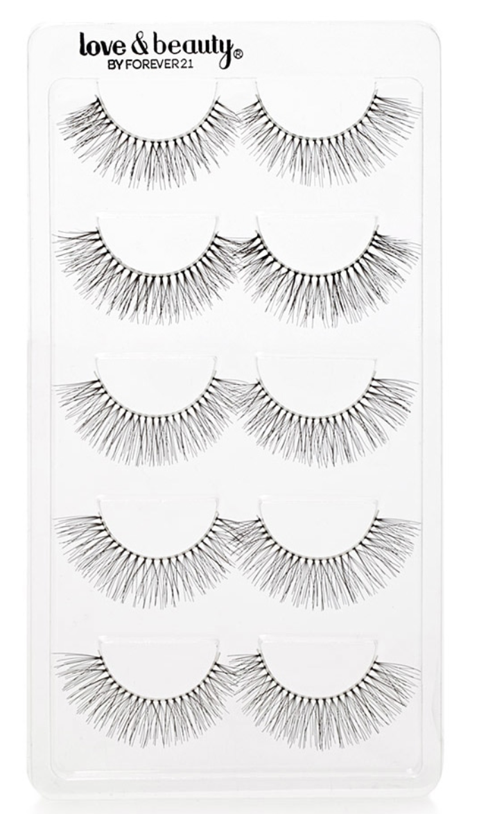 These  faux eyelashes  are as simple as it gets for me! Using these babies as an everyday top lash basic - or even the base for any doubled lash ensemble. With natural inexpensive eyelashes I always look for these key details: