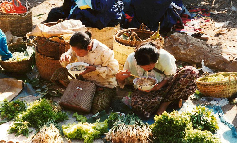 AK-Taylor-Safari-Laos-Market.jpg
