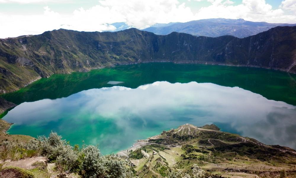 laguna-quilotoa-ecuador.jpg