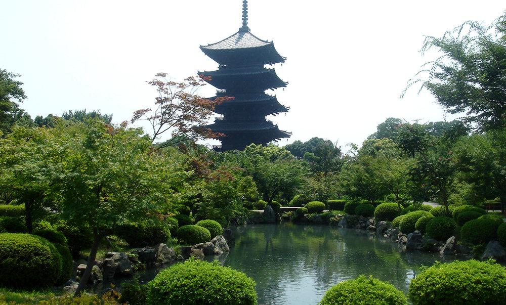 Japan_2006_-_Kyoto_-_Toji_Pagoda.JPG