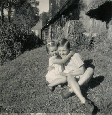 akt and gjk hugging.jpg