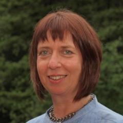 Mandy Honeyman   |  Social Media Coordinator: Slack & LinkedIn    Consultant @ edtechsInfo