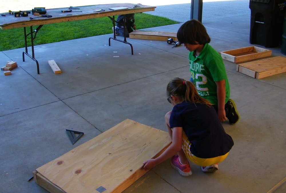 When multiple students are working on similar projects, they can begin to help each other out along the way.