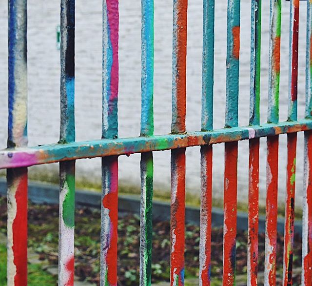 Colorful cages ❤️ Graffiti St, Ghent 2017 . #jawphotography #graffitistreet #travelphotography #exploringcities #ghent #belgium #streetphotography #graffiti #colorpop #nikon
