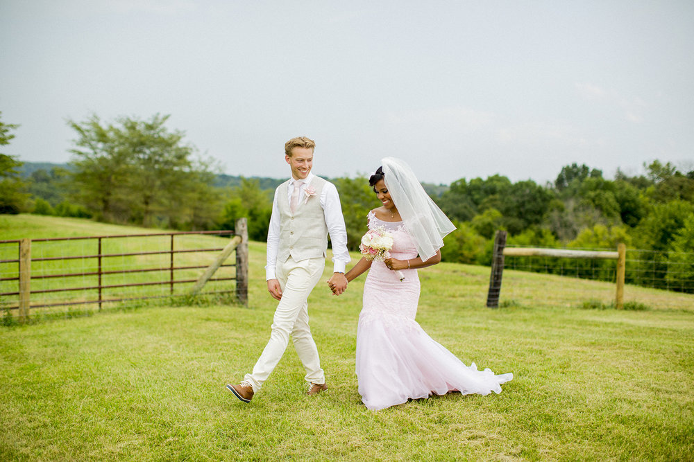 Seriously_Sabrina_Photography_kentucky_farm_wedding_daansojo480.jpg