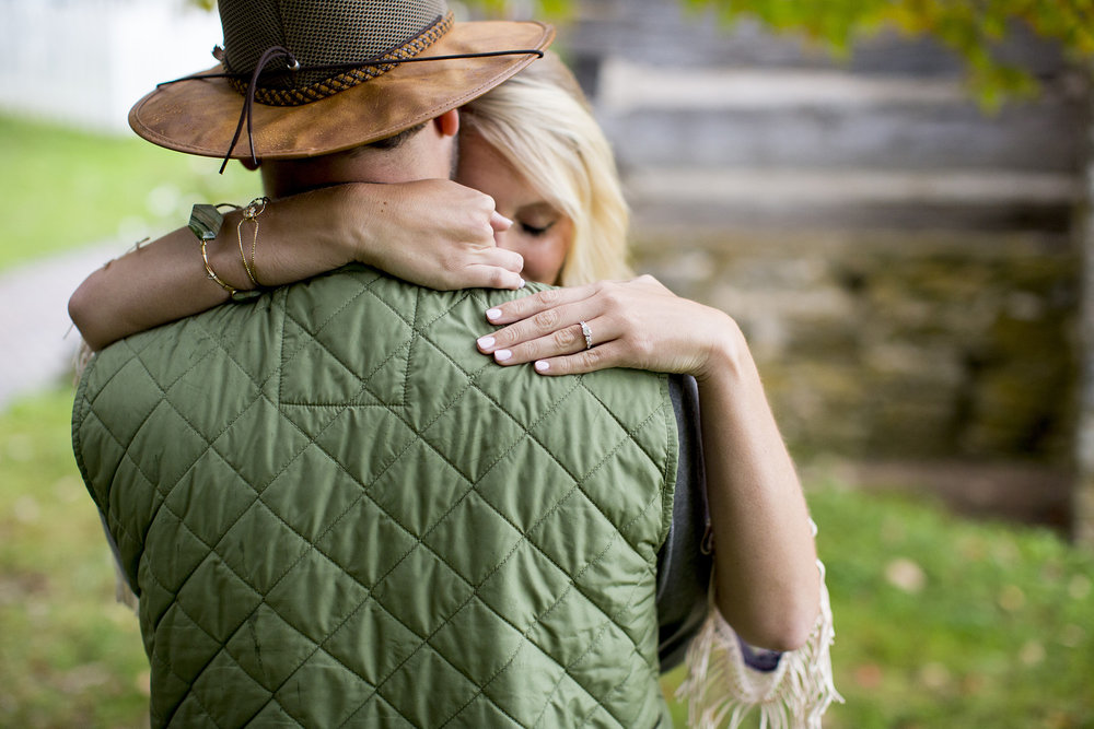 Seriously_Sabrina_Photography_Lexington_Kentucky_Creek_Engagement_AB124.jpg