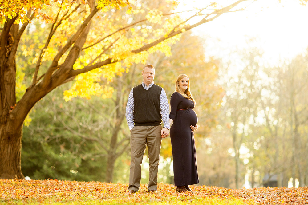 Seriously_Sabrina_Photography_Shakertown_Village_Maternity_Cart002.jpg