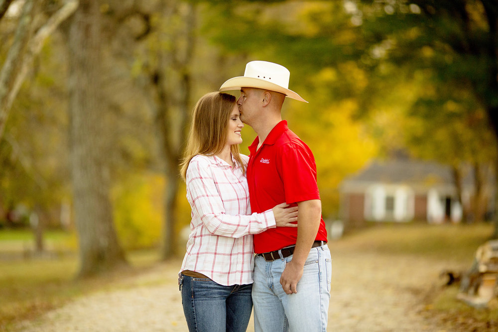 Seriously_Sabrina_Photography_Louisville_Kentucky_Locust_Grove_Engagement_WilliamMegan100.jpg