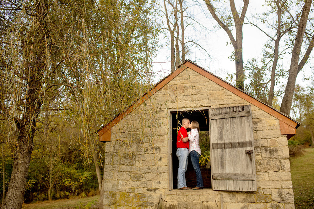 Seriously_Sabrina_Photography_Louisville_Kentucky_Locust_Grove_Engagement_WilliamMegan107.jpg