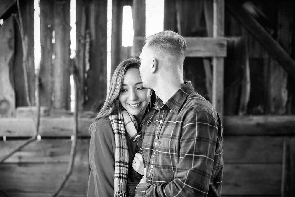 Seriously_Sabrina_Photography_Lexington_Kentucky_Backroads_Roadtrip_Engagement_RM002.jpg