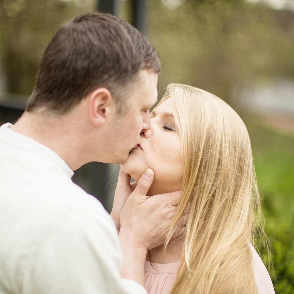 Seriously_Sabrina_Photography_Shelbyville_Kentucky_Engagement_EmmaPhillip12.jpg