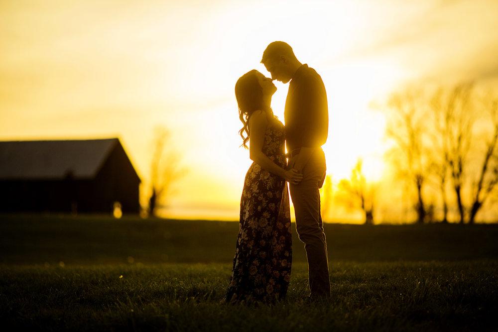 Seriously_Sabrina_Photography_Lexington_Kentucky_Keeneland_Sunset_Engagement_DomPeter29.jpg