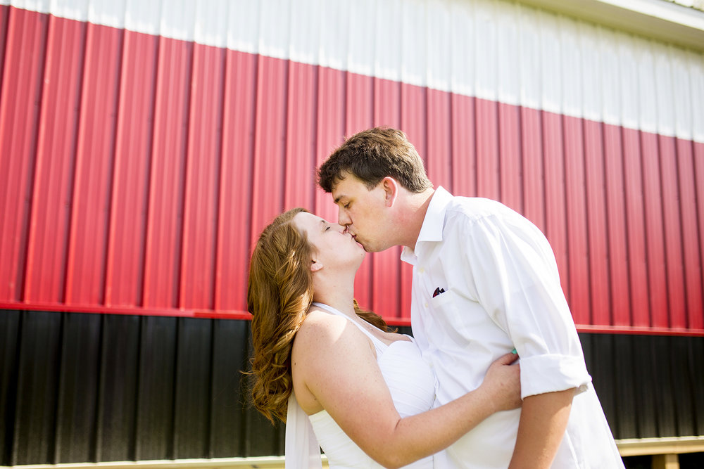 Seriously_Sabrina_Photography_Georgetown_Lexington_Kentucky_Outdoor_Backyard_Wedding_Dillon19.jpg