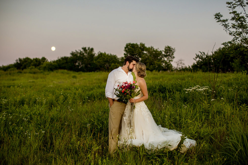 Seriously_Sabrina_Photography_Lexington_Kentucky_Romantic_Shakertown_Wedding_Portraits_Mazzetti35.jpg