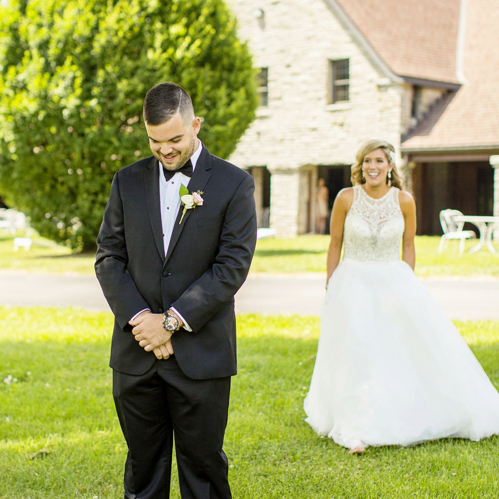 Seriously_Sabrina_Photography_Lexington_Kentucky_Keeneland_Keene_Barn_Wedding_Griffith50.jpg