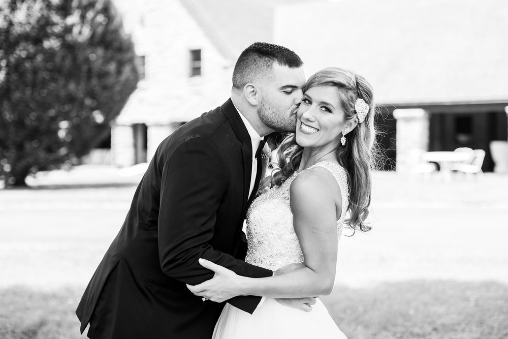Seriously_Sabrina_Photography_Lexington_Kentucky_Keeneland_Keene_Barn_Wedding_Griffith58.jpg
