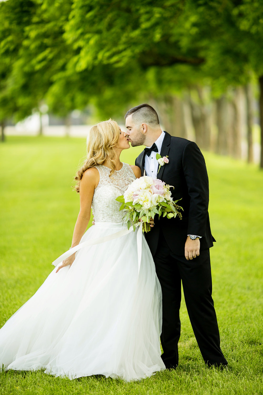 Seriously_Sabrina_Photography_Lexington_Kentucky_Keeneland_Keene_Barn_Wedding_Griffith63.jpg