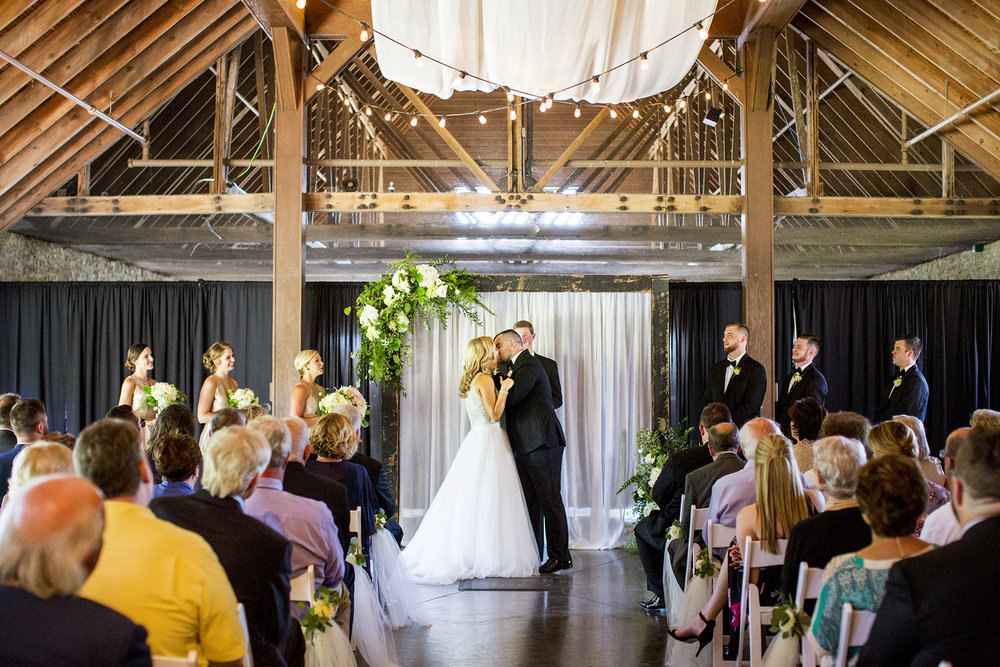 Seriously_Sabrina_Photography_Lexington_Kentucky_Keeneland_Keene_Barn_Wedding_Griffith92.jpg