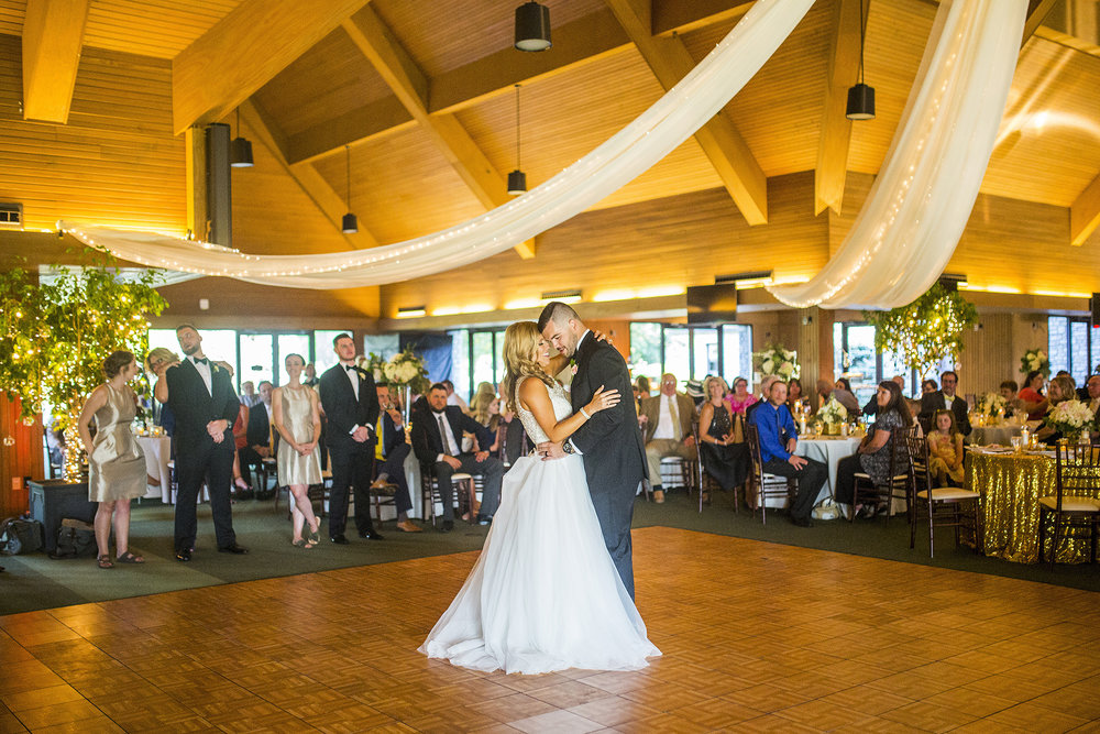 Seriously_Sabrina_Photography_Lexington_Kentucky_Keeneland_Keene_Barn_Wedding_Griffith116.jpg