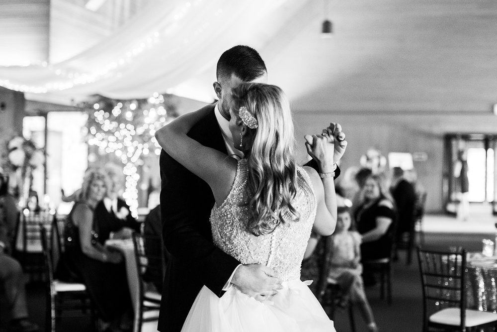 Seriously_Sabrina_Photography_Lexington_Kentucky_Keeneland_Keene_Barn_Wedding_Griffith115.jpg