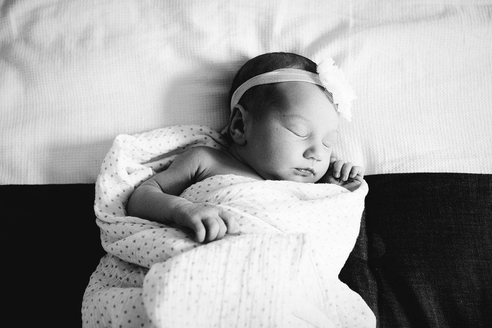 Seriously_Sabrina_Photography_Lexington_Kentucky_Newborn_Session_Lokits30.jpg
