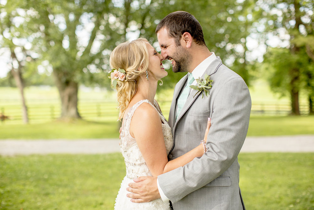 Seriously_Sabrina_Photography_Lexington_Kentucky_Ashley_Inn_Summer_Wedding_Fischer61.jpg