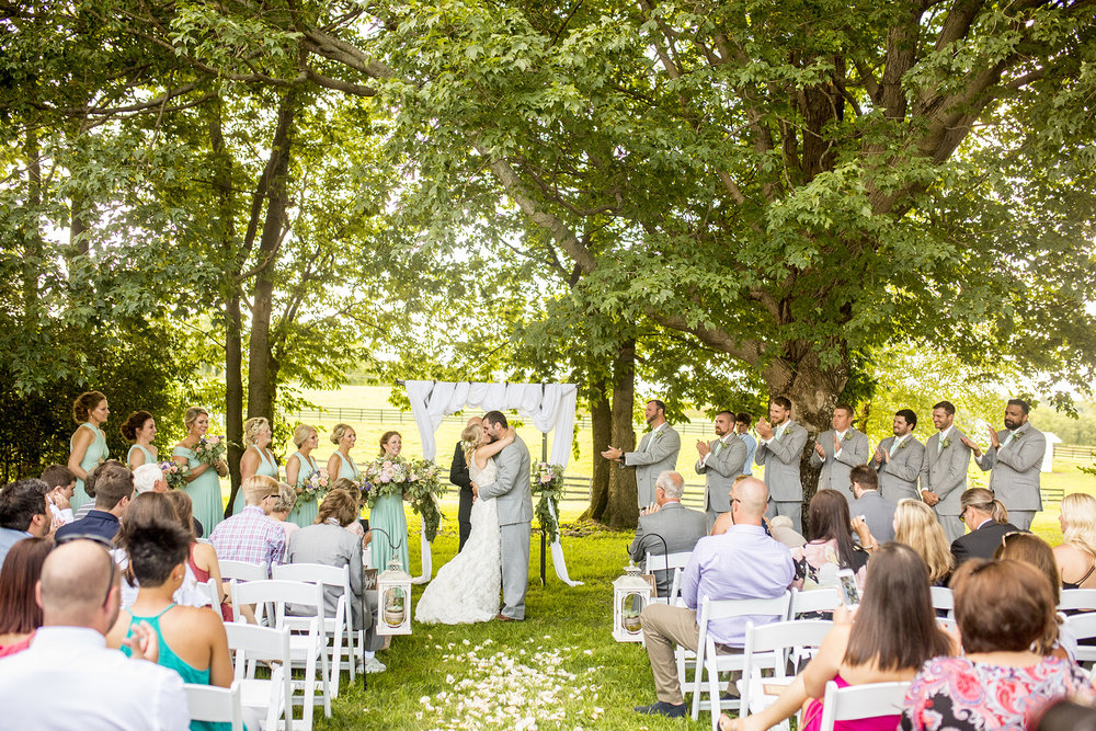 Seriously_Sabrina_Photography_Lexington_Kentucky_Ashley_Inn_Summer_Wedding_Fischer101.jpg