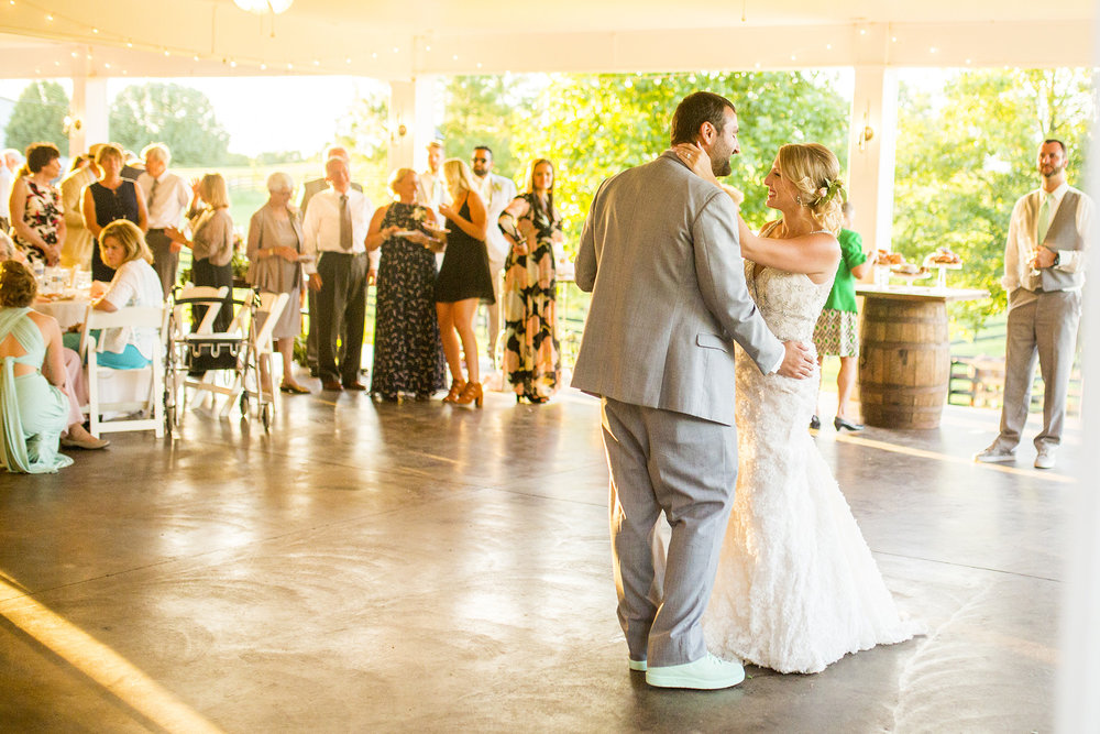 Seriously_Sabrina_Photography_Lexington_Kentucky_Ashley_Inn_Summer_Wedding_Fischer139.jpg