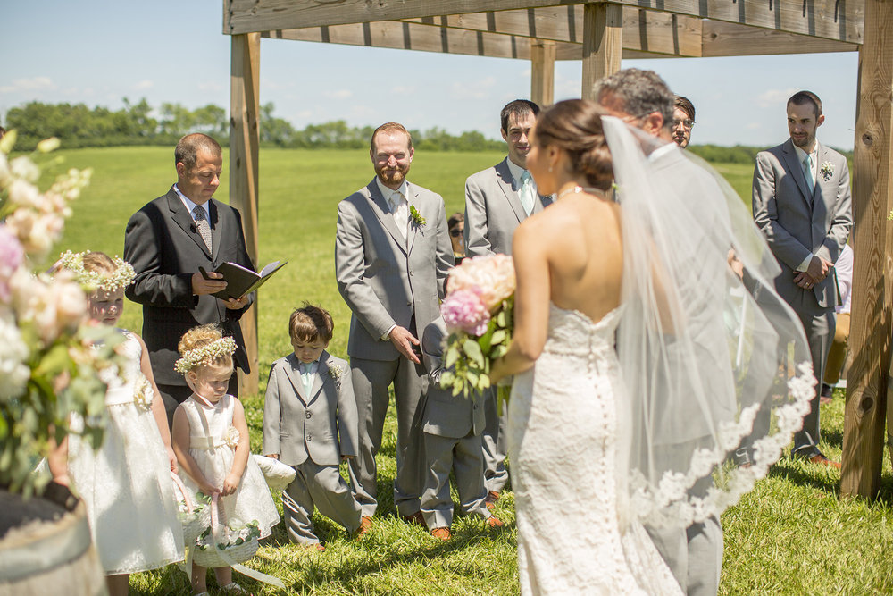 Seriously_Sabrina_Photography_Lexington_Kentucky_Talon_Winery_Wedding_Kjellsen60.jpg