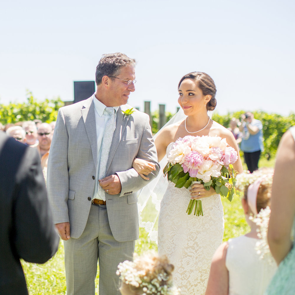Seriously_Sabrina_Photography_Lexington_Kentucky_Talon_Winery_Wedding_Kjellsen62.jpg