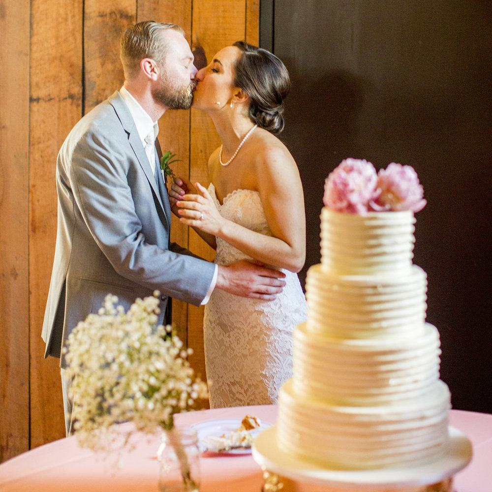 Seriously_Sabrina_Photography_Lexington_Kentucky_Talon_Winery_Wedding_Kjellsen127.jpg