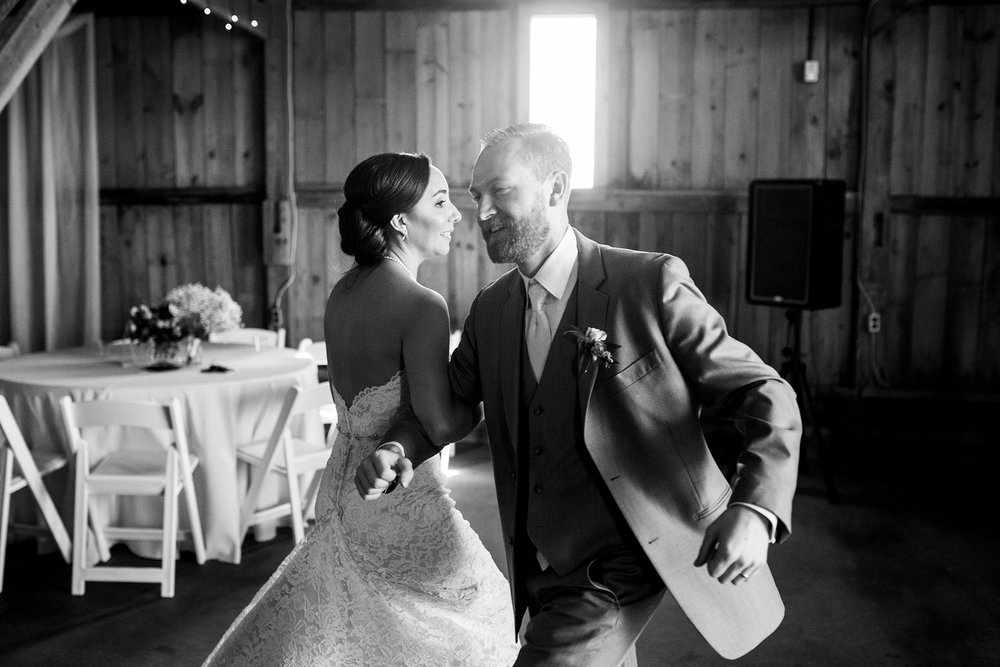Seriously_Sabrina_Photography_Lexington_Kentucky_Talon_Winery_Wedding_Kjellsen131.jpg