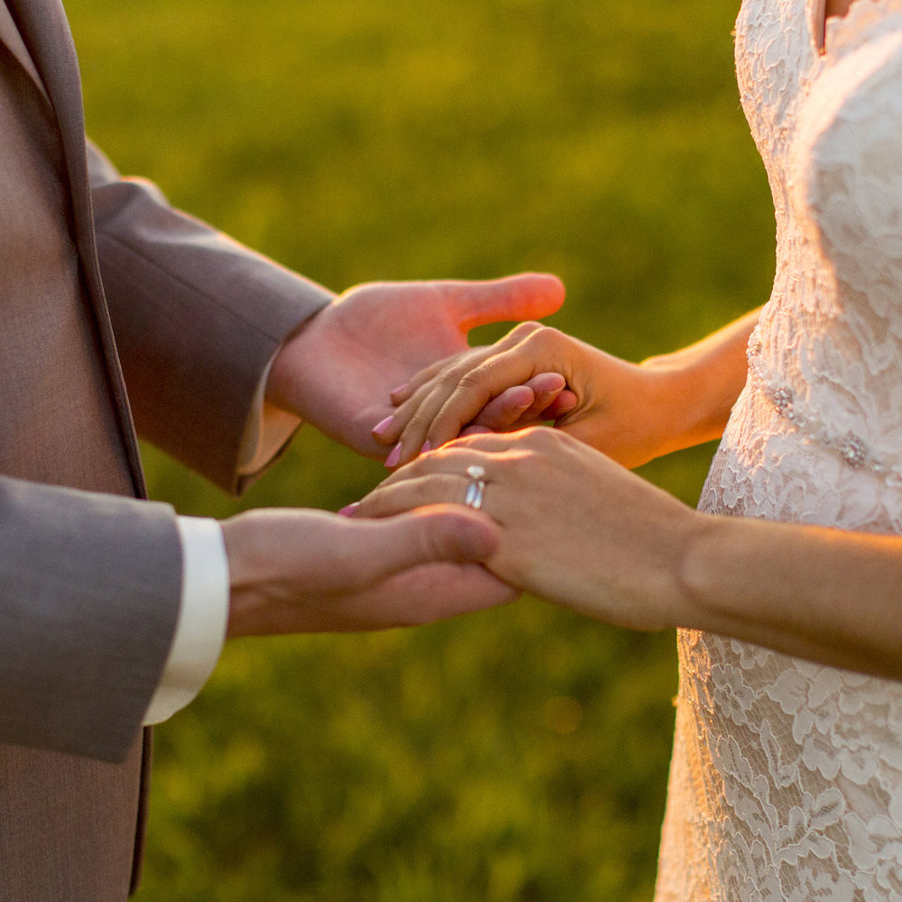 Seriously_Sabrina_Photography_Lexington_Kentucky_Talon_Winery_Wedding_Kjellsen175.jpg