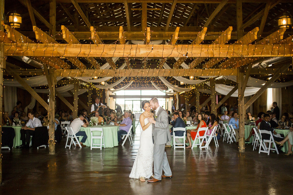 Seriously_Sabrina_Photography_Lexington_Kentucky_Talon_Winery_Wedding_Kjellsen102.jpg