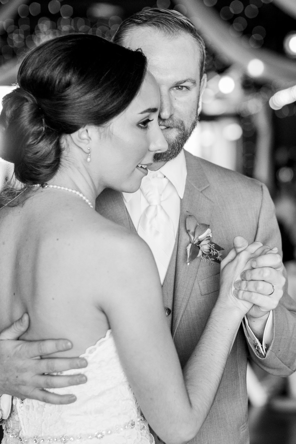 Seriously_Sabrina_Photography_Lexington_Kentucky_Talon_Winery_Wedding_Kjellsen106.jpg