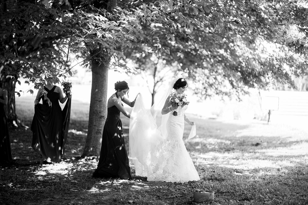 Seriously_Sabrina_Photography_Bardstown_Kentucky_June_Wedding_Lee49.jpg