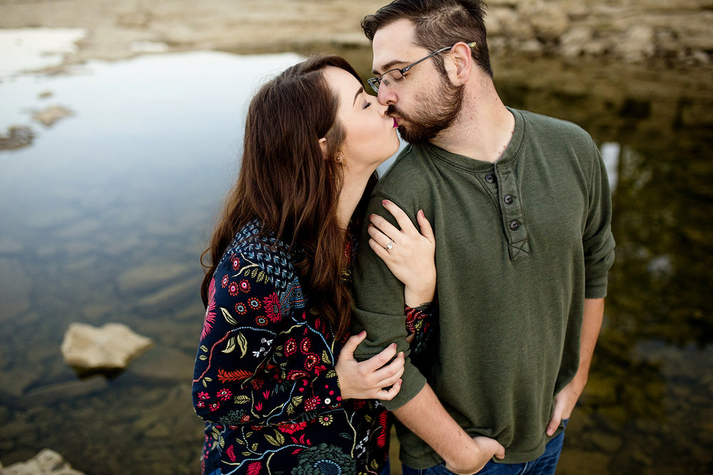Seriously_Sabrina_Photography_Louisville_Kentucky_Engagement_Falls_of_Ohio_Seneca_Park_KarlMarlie10.jpg