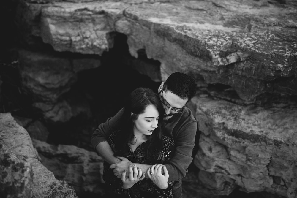 Seriously_Sabrina_Photography_Louisville_Kentucky_Engagement_Falls_of_Ohio_Seneca_Park_KarlMarlie19.jpg