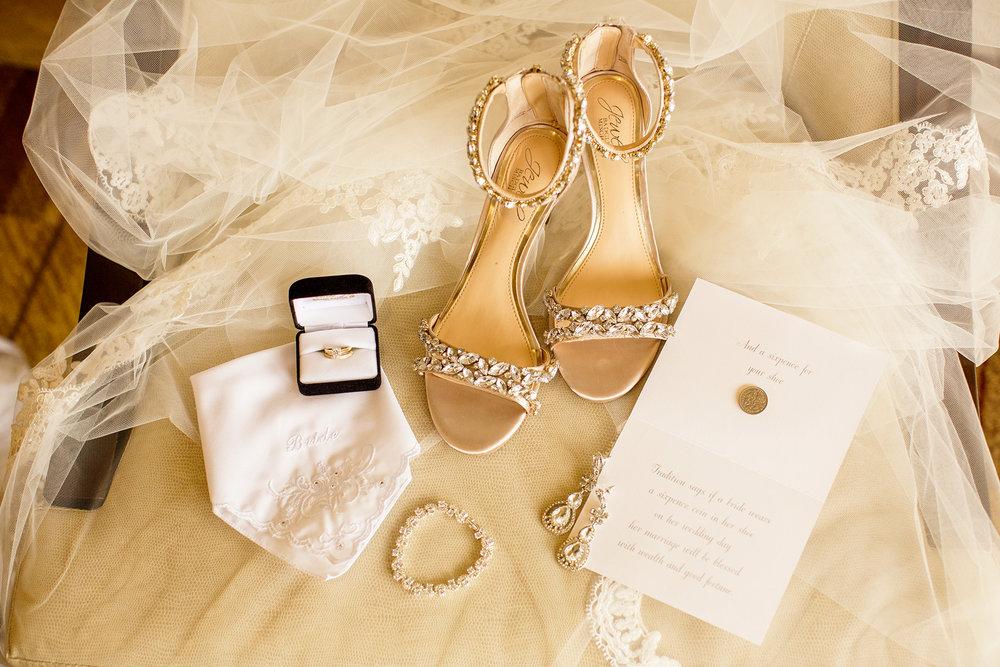 Seriously_Sabrina_Photography_Lexington_Kentucky_Wedding_Marriott_Griffin_Gate_Boersma5.jpg
