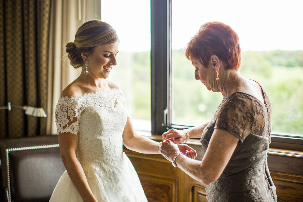 Seriously_Sabrina_Photography_Lexington_Kentucky_Wedding_Marriott_Griffin_Gate_Boersma37.jpg